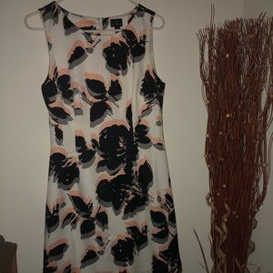 Worthington White peach and black dress